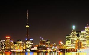トロント市の夜景。人口270万。大阪市は290万
