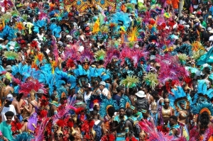 カリバーナのパレード。写真:カリバーナ公式ウェブサイト(http://www.caribanatoronto.com)より