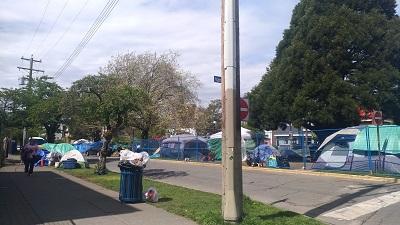 Keiko4-その前に出来たテントの群れ